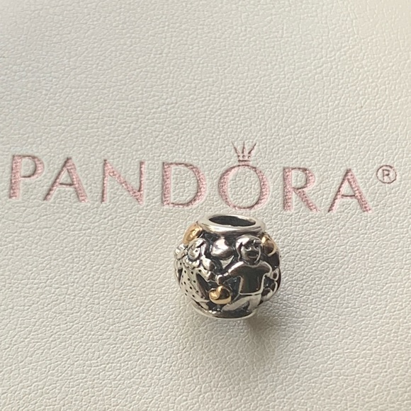 charm pandora forever